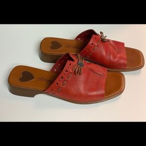 Brighton Red/Tan Java Sandal. Size 8.